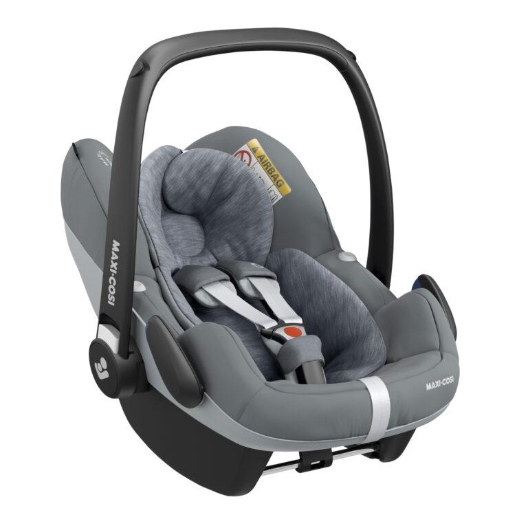 maxicosi carseat babycarseat pebbleproisize grey essentialgrey 3qrtright 8712930163404 Group0+ Infant iSize ISOFIX 3wayFix Frombirth 3pointseatbelt